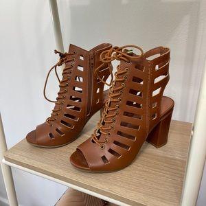 Women's brown sandals, brand new, no box.